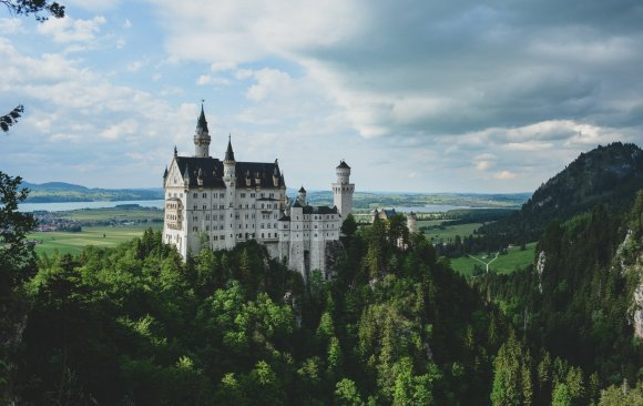Germany's Emissions Reporting Fails to Take into Account Data on international Air and Sea Transport, Deforestation and Land Use